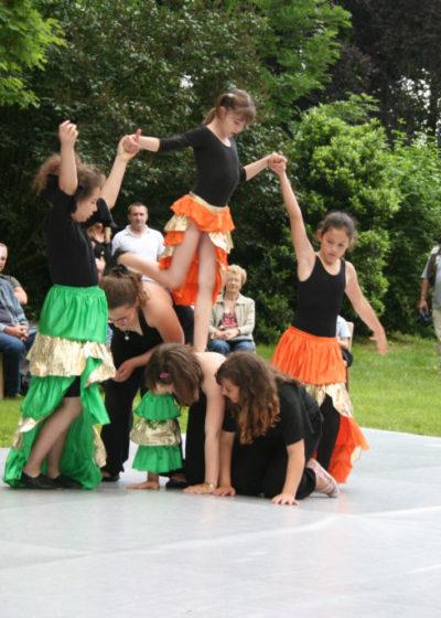 Fête du village, salsa par le cour de danse de Corinne et Cédric