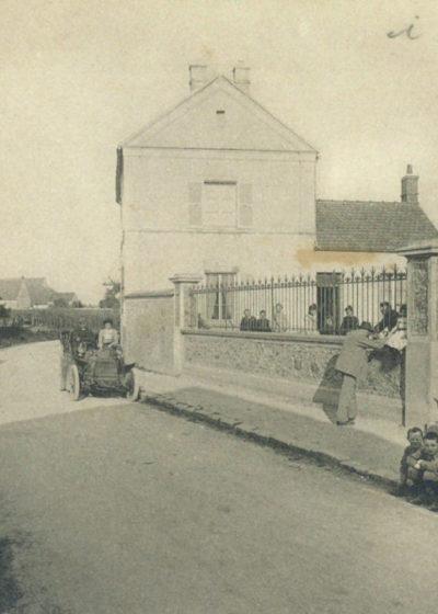 Rue le Mairie, sortie de l'école