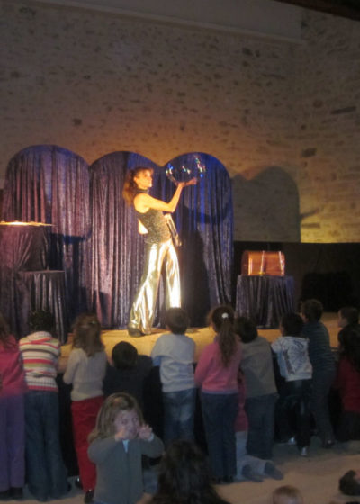 Spectacle de Noël 2010, salle des fêtes d'Avrainville