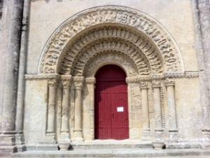 Portail de l'église d'Aulnay